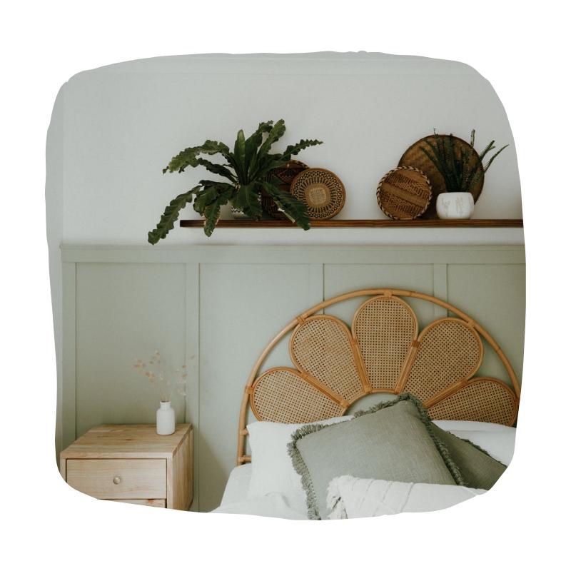 Rotan bed frame